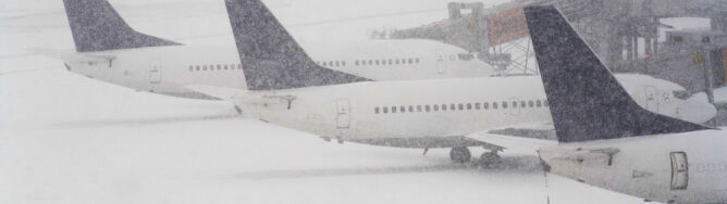 Boeing utknął w śnieżnej zaspie